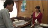 自慢の巨乳を使って教え子を誘惑し性欲処理に使うド変態家庭教師