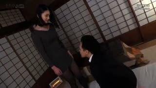 気品漂う黒髪美女と旅館デート→激しく絡み合いたっぷり顔射