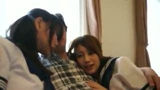 「おじさんの大っきい」激カワJK2人組とホテルでハメ撮り性交