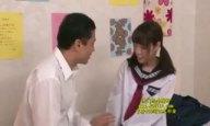 「ここでしちゃおっか?w」縞パン着用の制服JKがクラスメイトとガチパコ